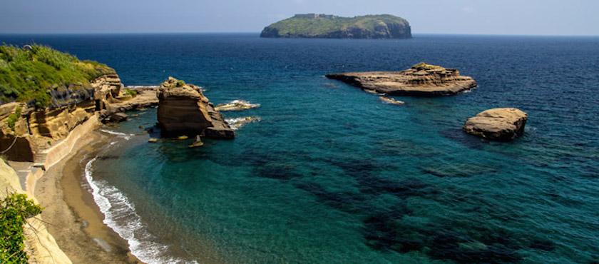 le più belle spiagge di Ventotene