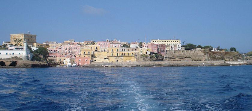 traghetti Ponza Ventotene risparmiare